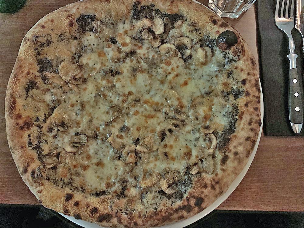 La Fabbrica, Pizza Tartufa - Blog Annecy, Restos & Cie