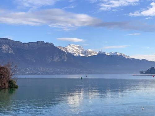 Une belle tranquillité au bord du Lac